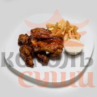 Крылья куриные с картофелем фри
